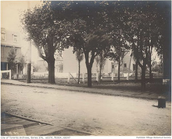 1904 Oct.6, 1904 - looking n e along Dunn standing on the w side of Dunn ave. just s of tracks - rear of Dunn Milk seen far left_tn