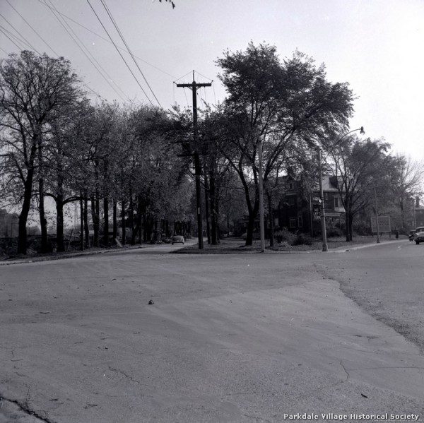 1957 Empress Crescent, looking e. from Dowling Ave. & Lakeshore Blvd._tn_tn