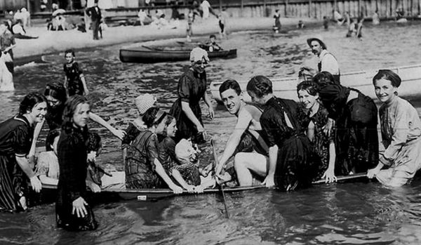 1908 Sink a Canoe game. Change stations 2.